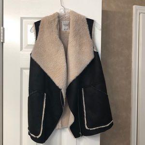 Zara vest - like new!